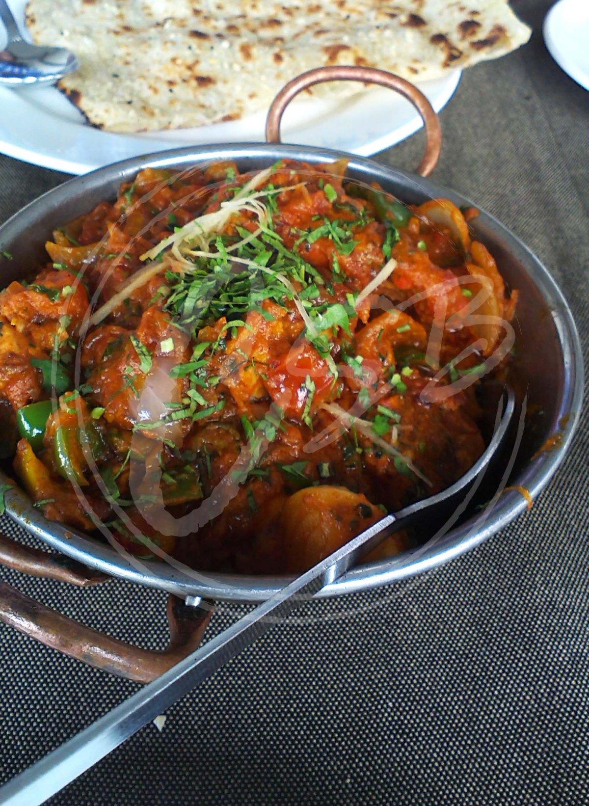 Luscious Kadhai Chicken with garlic naan.