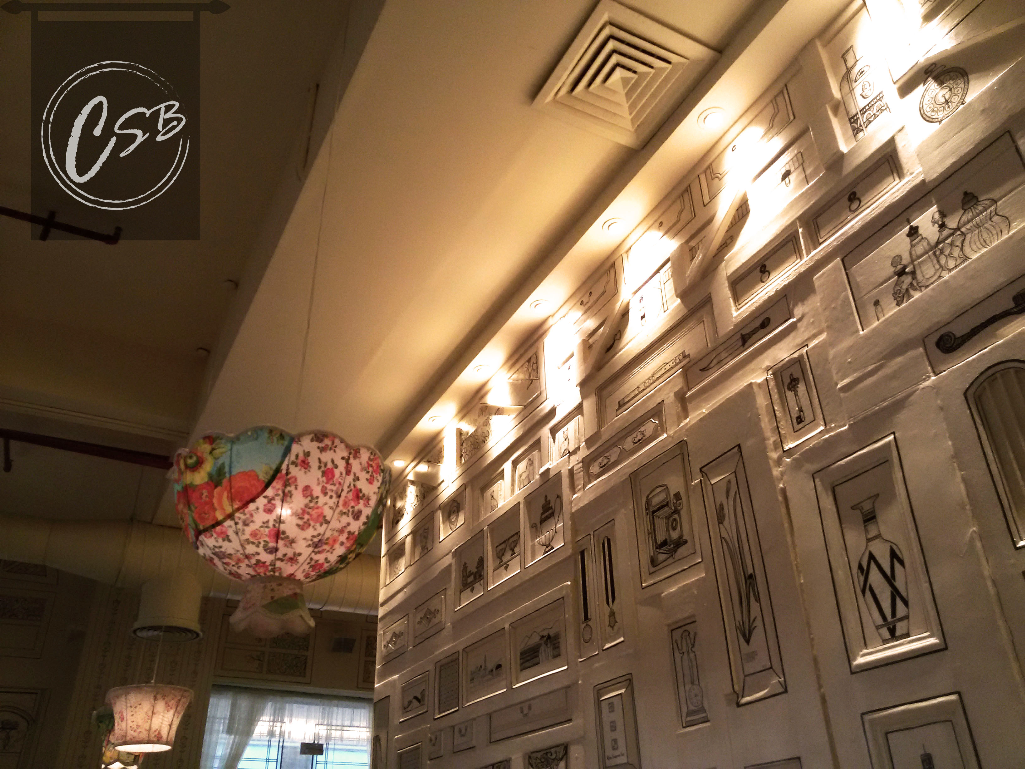 The pretty interiors of the Saket outlet