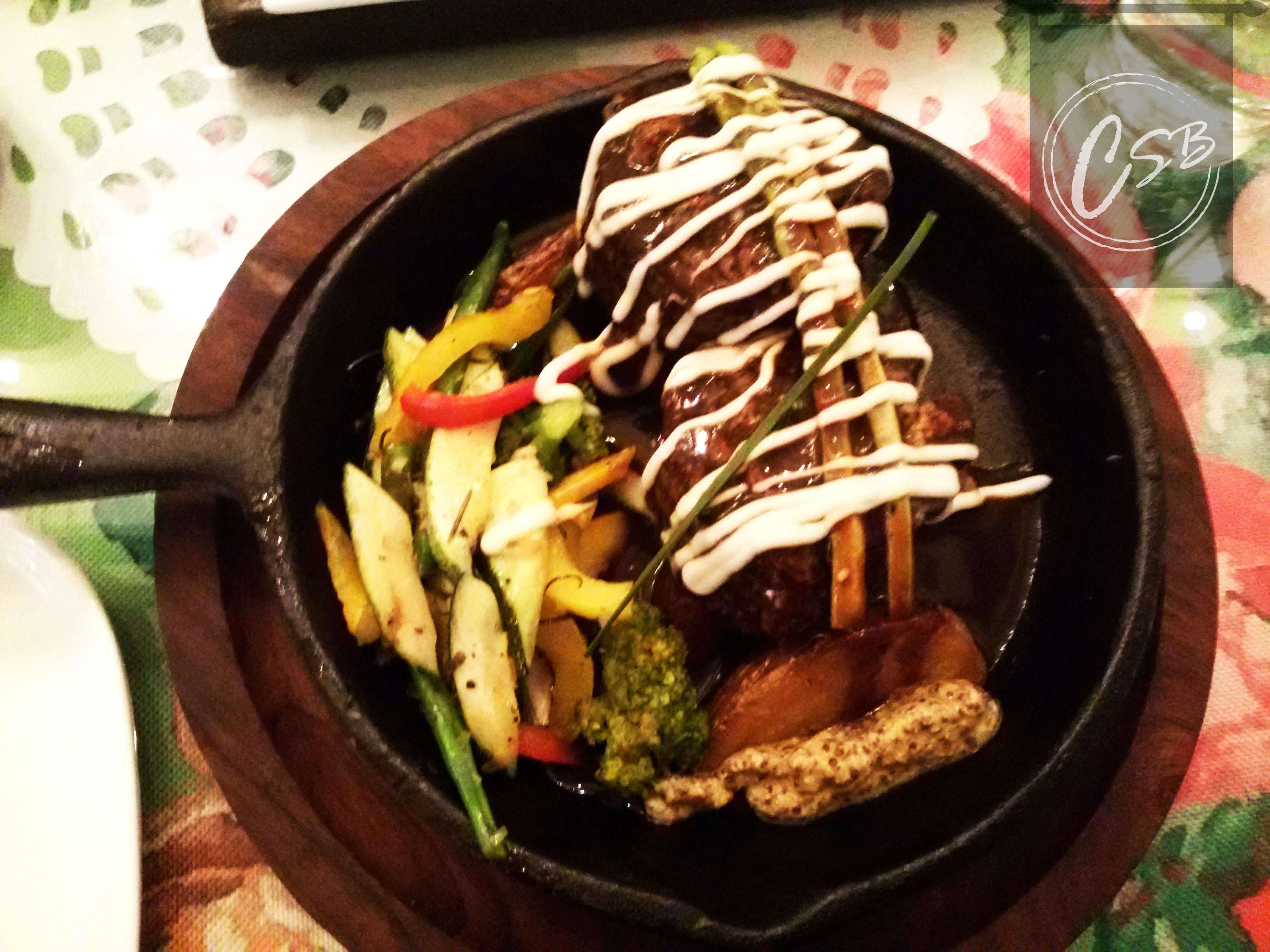 tenderloin steak with asparagus