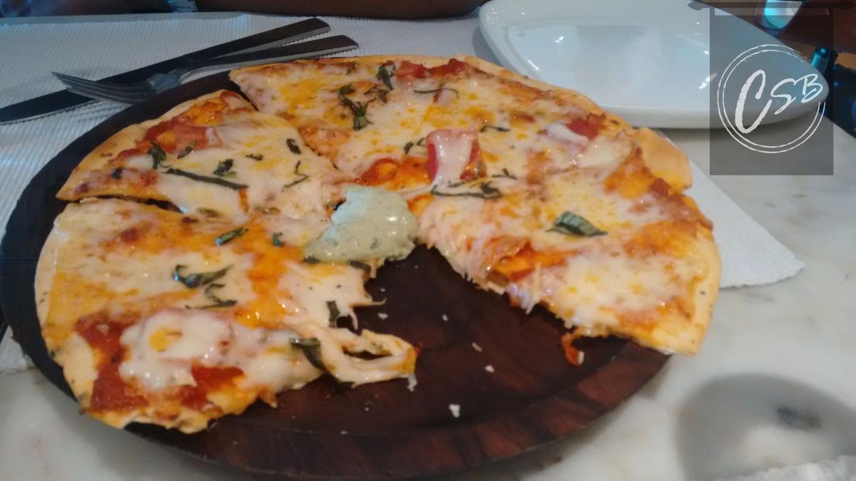 Margherita pizza (2)