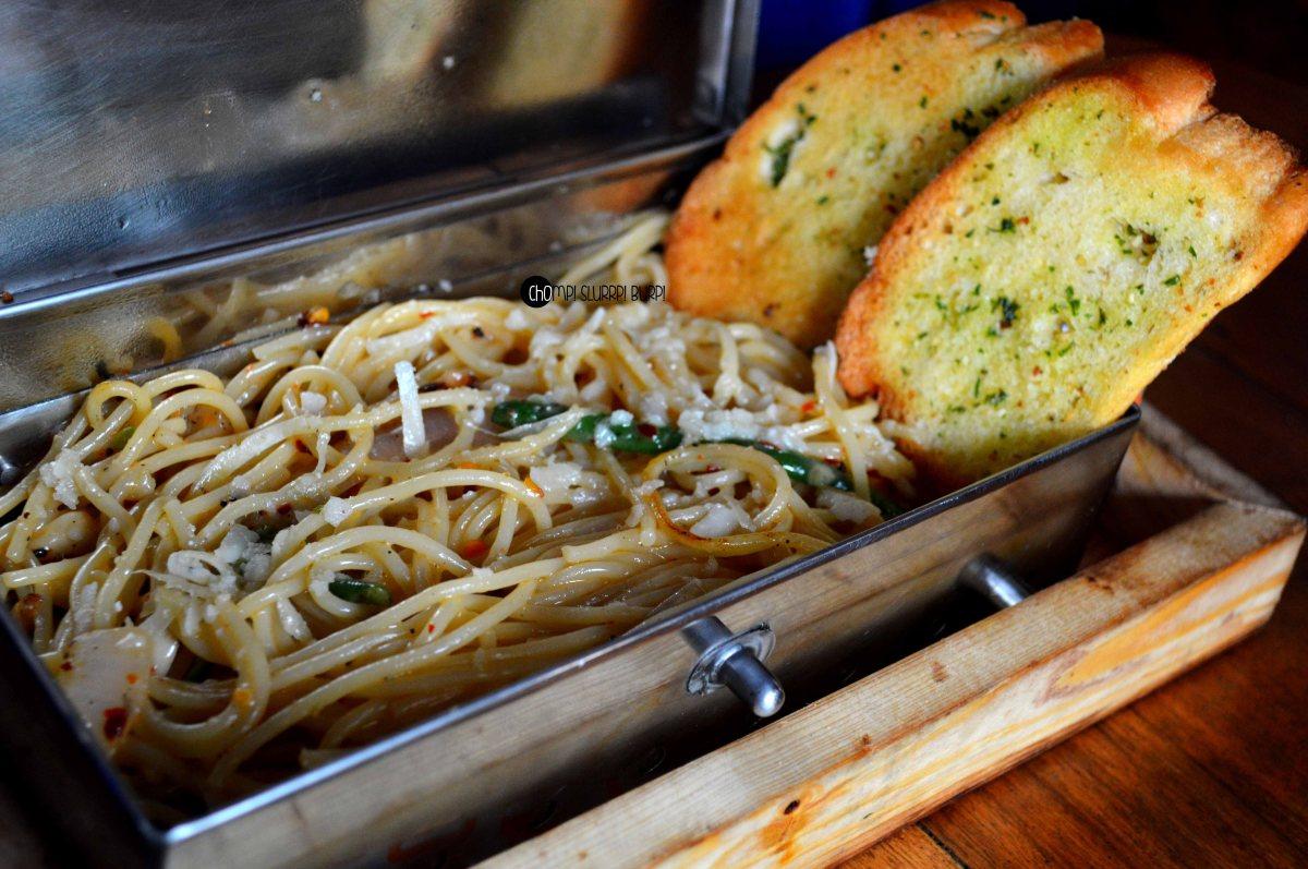 aglio olio pasta